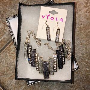 Gray sparkle necklace